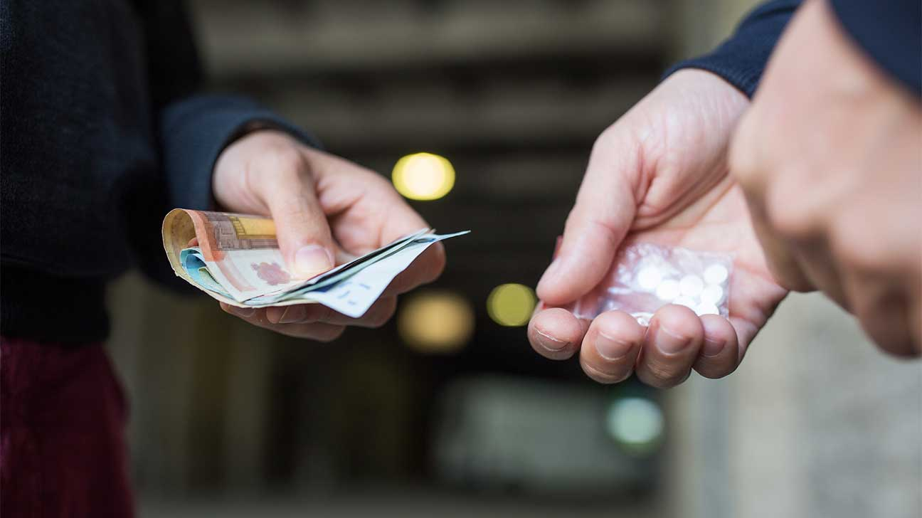 How Much Does Vyvanse Cost On The Street? - Vyvanse Street Price